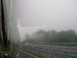 霧の名神高速