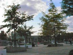 天王寺ゲート前の小公園