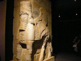万国の門(左)