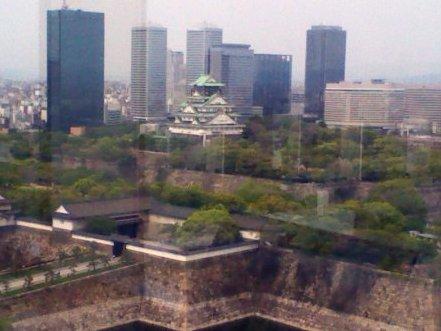 窓から見える大阪城天守閣