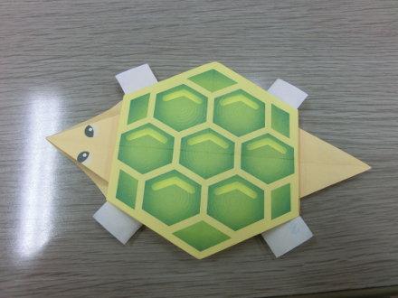 折り紙のカメ